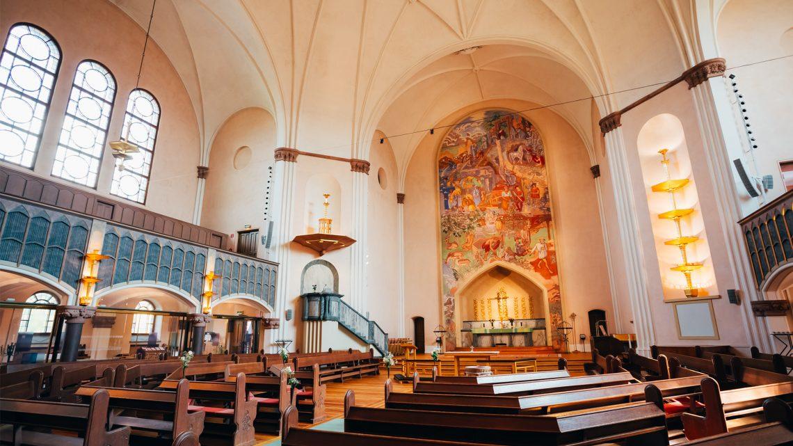 Miljövänlig belysning i kyrkornas lokaler